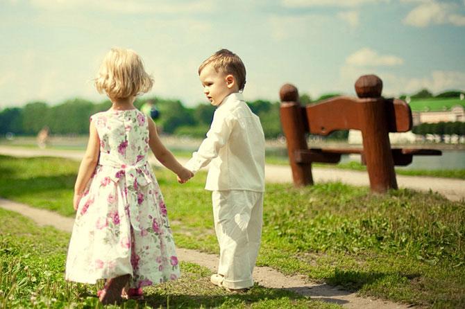 Когда и как учить детей хорошим манерам