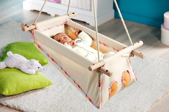 Кровать-люлька для новорожденного: какой она может быть