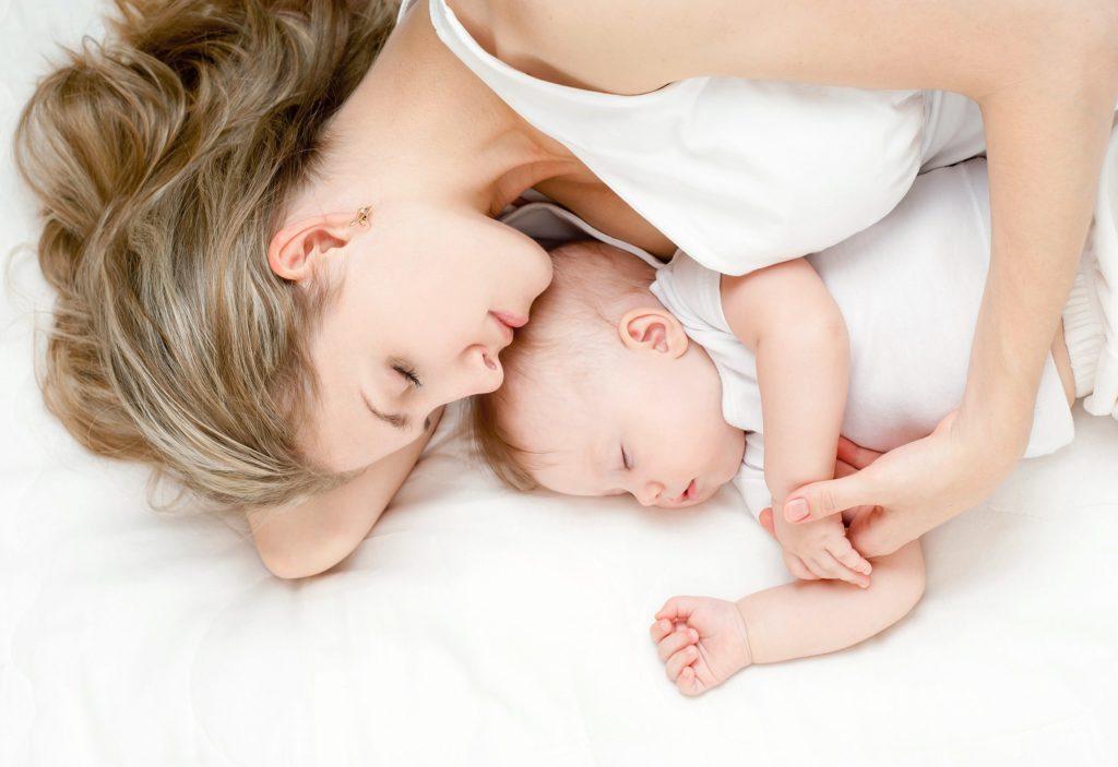 Почему грудничок часто просыпается по ночам